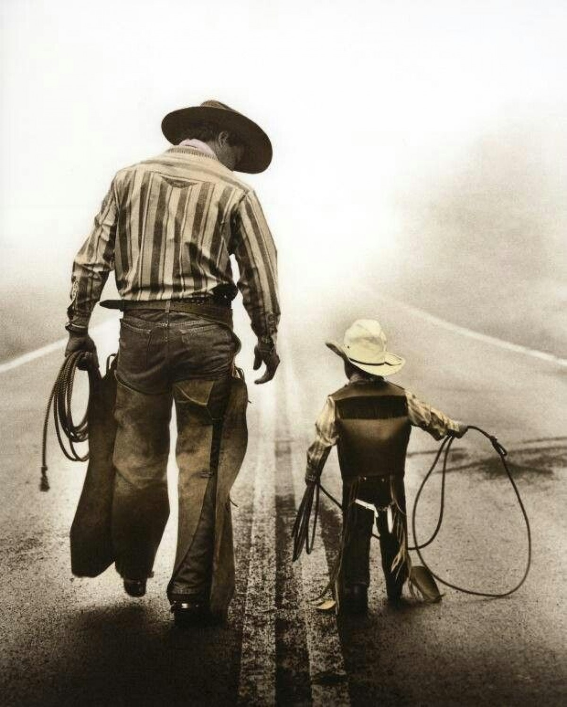 Feliz Día a Todos Los Papás!!!