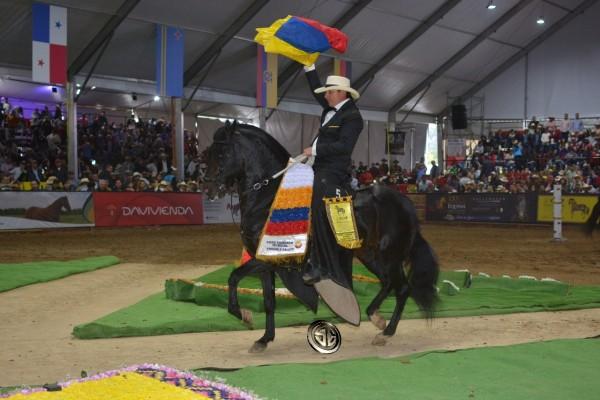 http://suscaballos.com/VÍDEO: Caballero Campeón Mundial, Delirio Reservado Mundial, Trocha Y Galope!!